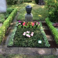 Grabpflege Leipzig - Die Sommerbepflanzung