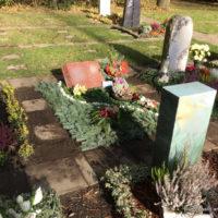 Blumenhalle am Südfriedhof - Winterabdeckung / Grabeindeckung